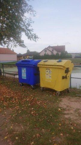 Foto - Kontejnery na tříděný odpad
